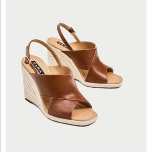 GORGEOUS NWT ZARA Brown CROSSOVER WEDGES